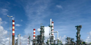 Optimizing crude oil blending and scheduling
